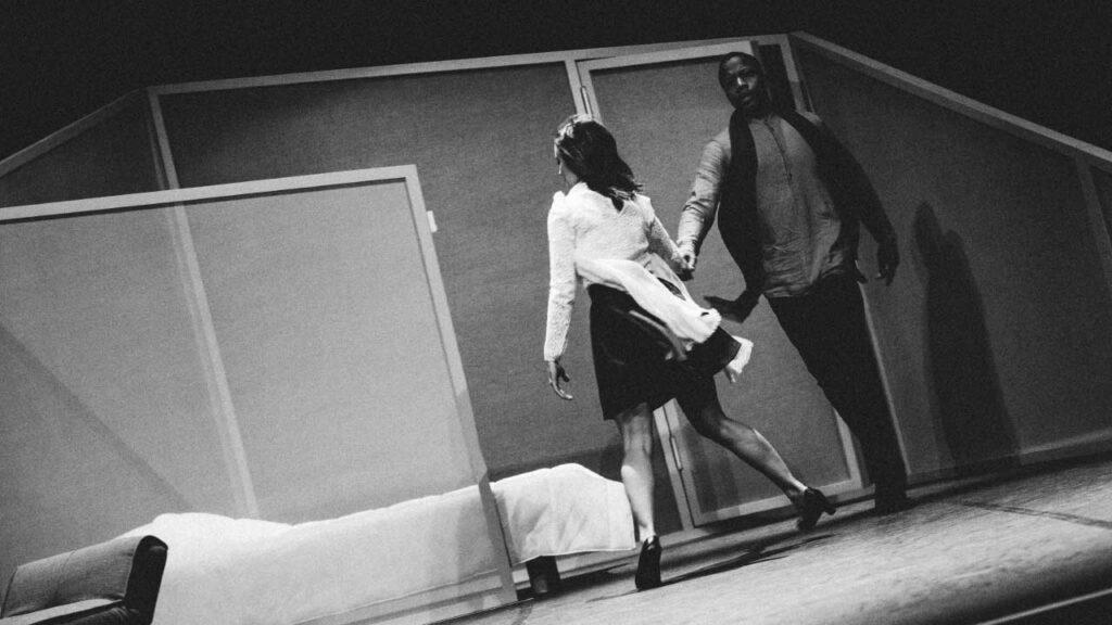 Une scène issue de la pièce de théâtre Le Misanthrope